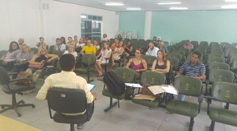 Professores do CCT e CCBS indicam rejeição a cortes de vagas e construção de greve conjunta com outras categorias