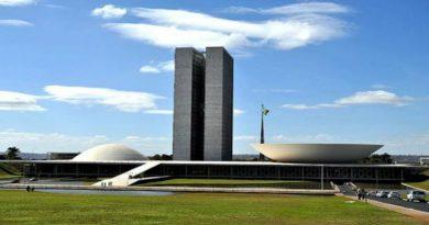 Câmara aprova terceirização geral em todas as áreas do setor público e privado