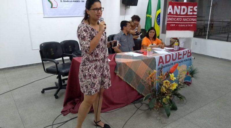 ADUEPB realiza plenária e convoca professores para ato contra destruição da previdência