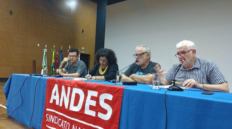 Seminário do ANDES-SN debate Dívida Pública e usura financeira
