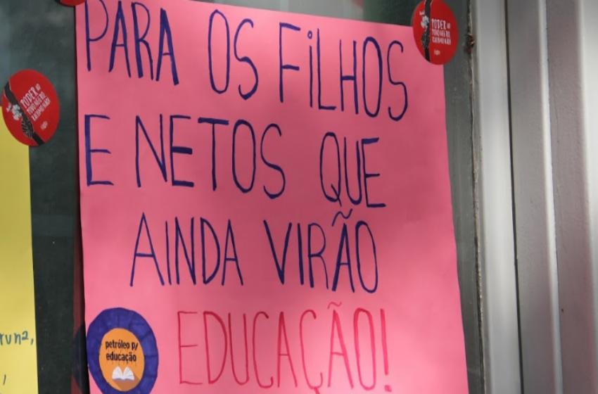 Governo do Paraná propõe fim de cargos e terceirização em universidades estaduais