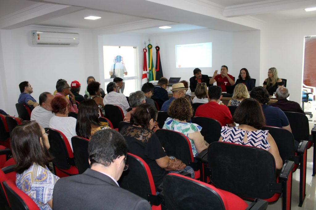 Servidores estaduais aprovam indicativo de Greve Geral para o dia 04/02, contra a reforma da previdência