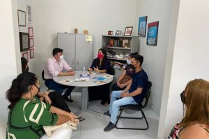 Diretores da ADUEPB e do SINTESPB conversam com vice-líder do governo sobre as progressões