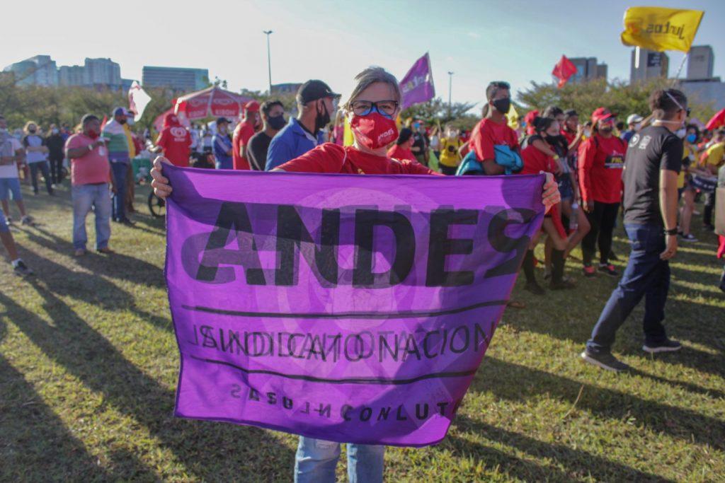 13J: Manifestantes protestam contra as privatizações e pelo Fora Bolsonaro