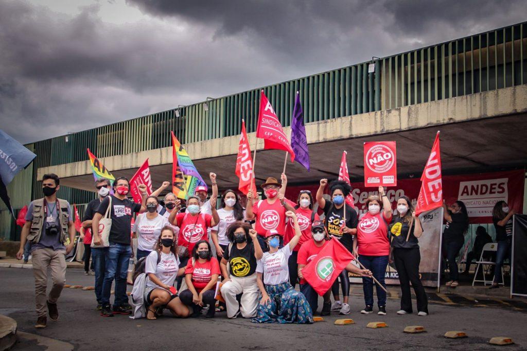 Servidoras e servidores públicos encerram mais uma semana de mobilizações contra a PEC 32